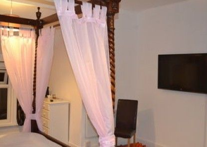 Holmlea Guest House