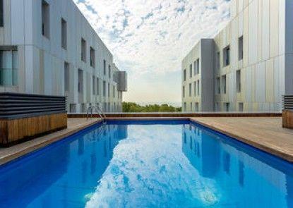 Homearound Rambla Suite & Pool