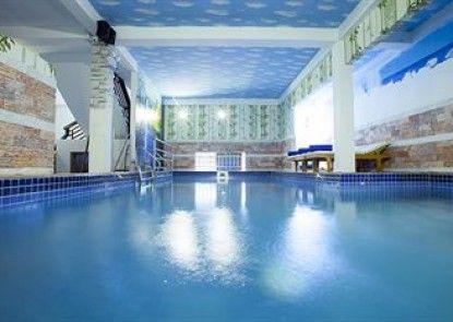 HomeFeel CS Hotel