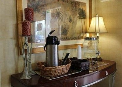 Home-Towne Suites Bowling Green
