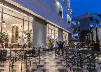 Hotel Horison Ciledug Teras