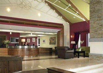 Horse and Jockey Hotel
