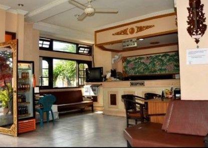 Hotel Grand Chandra Denpasar Lobby