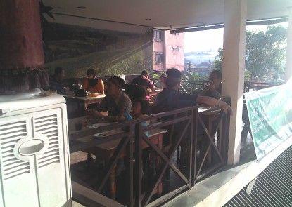 Hotel Grand Chandra Denpasar Kafe
