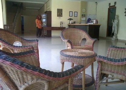 Hotel King Yogyakarta Pintu Masuk