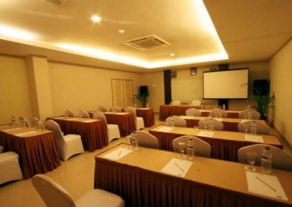 Hotel Marlin Pekalongan Ruangan Meeting