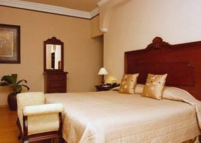 Hotel Morales Historical & Colonial Downtown Core Teras