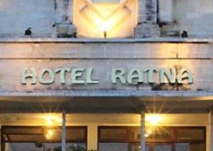 Hotel Ratna Bali Eksterior
