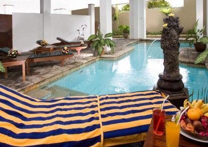 Hotel Ratna Bali Kolam Renang