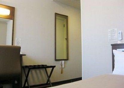 Hotel Route-Inn Nobeoka Ekimae