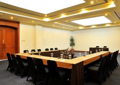 Hotel Santika Cirebon Ruangan Meeting
