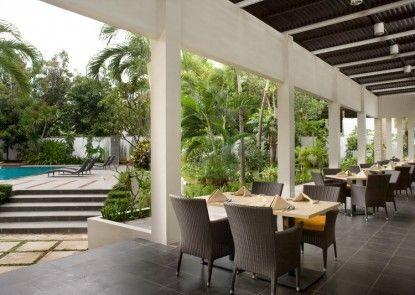 Hotel Santika Cirebon Makan Prasmanan