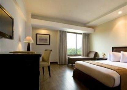Hotel Santika Cirebon Kamar Tamu
