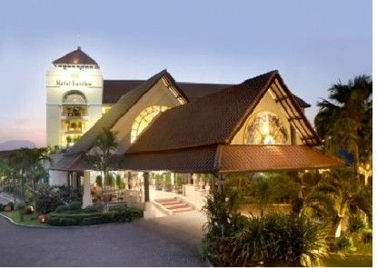 Hotel Santika Cirebon Eksterior