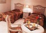 Pesan Kamar Kamar Standar di Hotel & Suites Quinta Magna