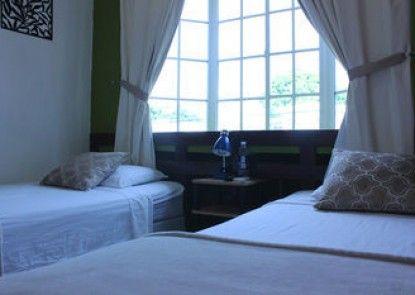Hotel Tazumal House