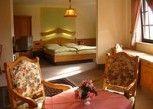 Pesan Kamar Apartemen di Hotel zum Walde