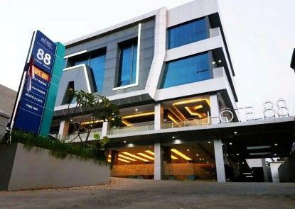 Hotel 88 Tendean Jakarta Eksterior