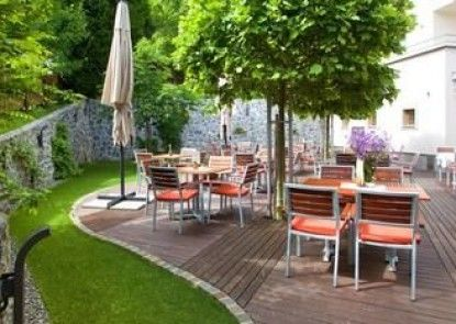 Hotel and guest house Triglav Dobrna
