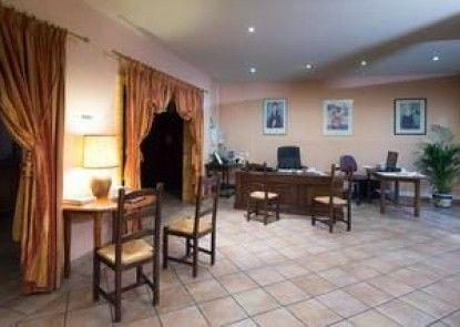Hotel Anne de Beaujeu