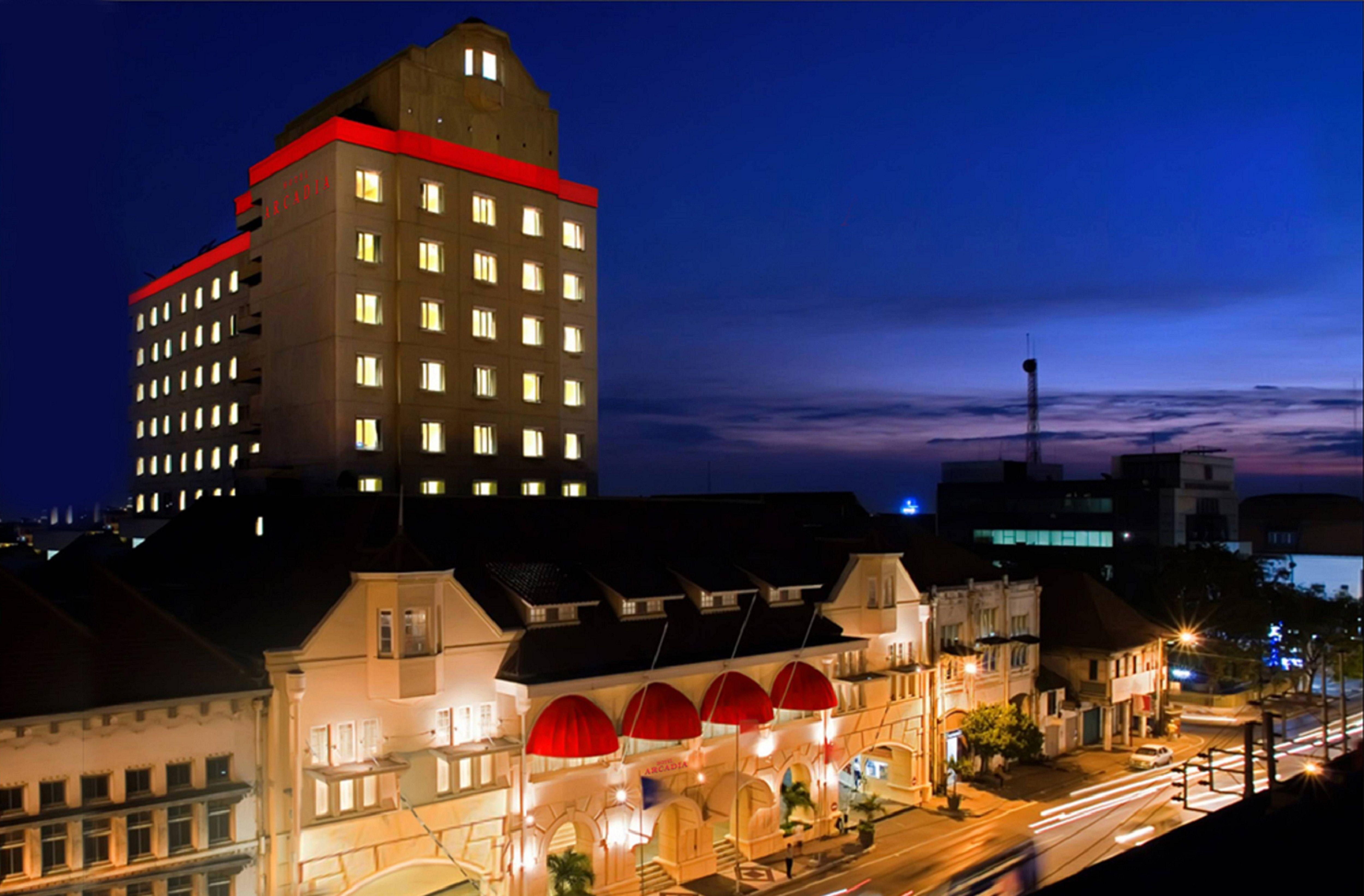 Horison Arcadia Surabaya, Surabaya