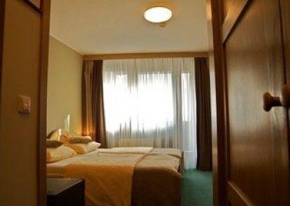 Hotel Arena Annex