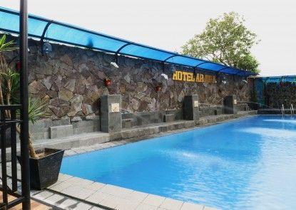 Hotel Arjuna Kolam Renang