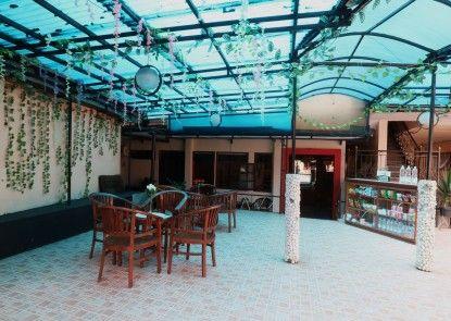 Hotel Arjuna Lobby