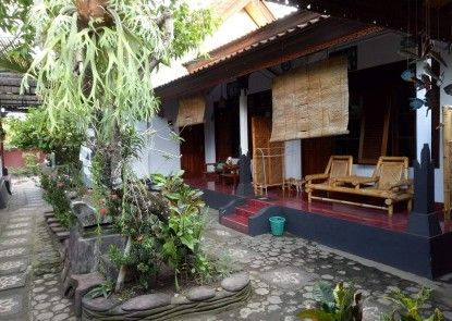 Hotel Artha Mataram Pemandangan