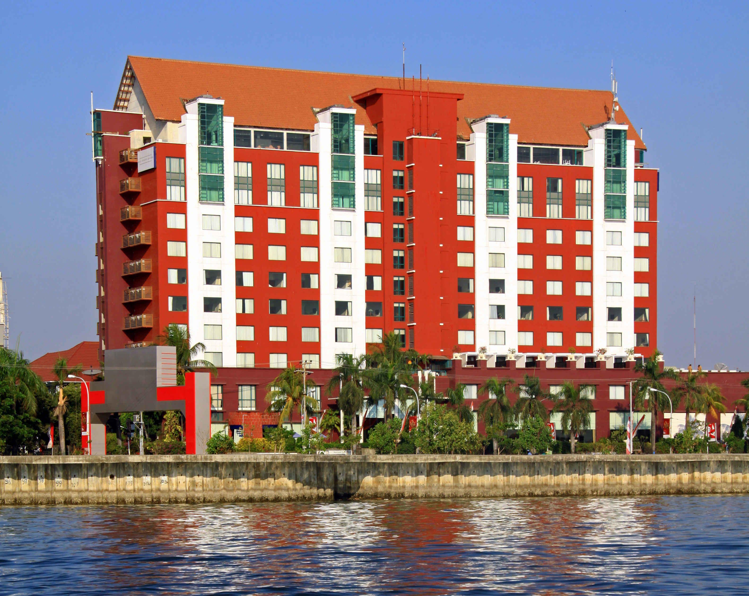 Aryaduta Hotel Makassar, Makassar