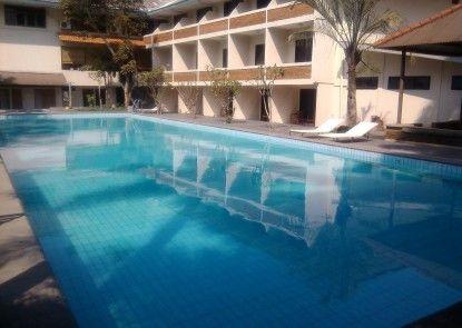 Hotel Augusta Garut Kolam Renang