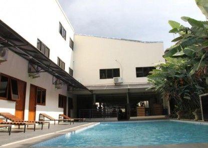 Hotel Augusta Lembang Eksterior