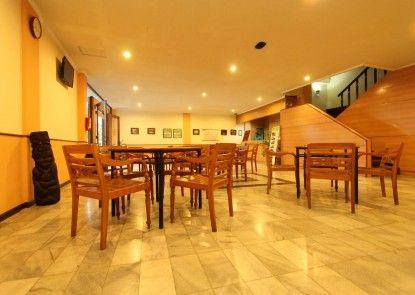 Hotel Augusta Surapati Bandung Rumah Makan
