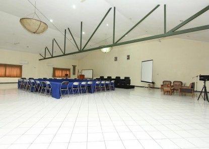 Hotel Augusta Surapati Bandung Ruang Pertemuan