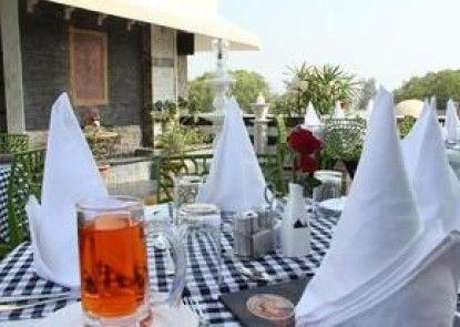 Hotel Aura Mumtaz Mahal