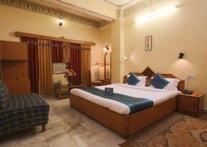 Hotel Bani Park Palace