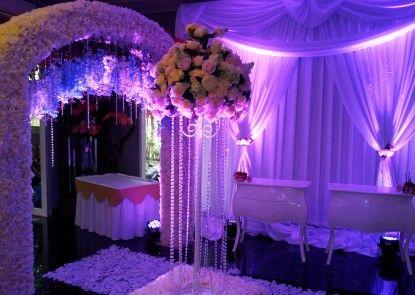 Hotel Bunga Bunga Pernikahan