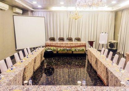 Hotel Bunga Bunga Ruangan Meeting