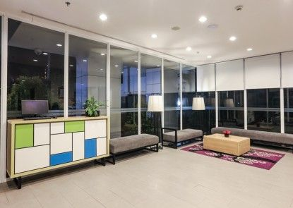 Hotel Citradream Semarang Lobby