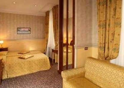 Hotel Condotti