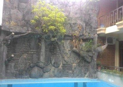 Hotel Cristalit Kolam Renang