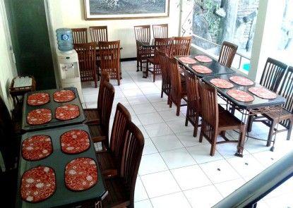 Hotel Cristalit Rumah Makan