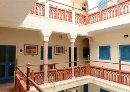 Hotel Diggi Palace