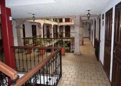 Hotel Don Quijote Plaza