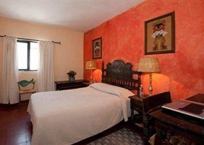 Hotel Emilia Castillo