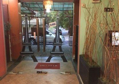 Hotel Faris Pintu Masuk