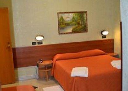 Hotel Ferrarese Roma
