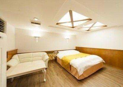 Hotel Fine Garden Okayama 1 - Adults Only