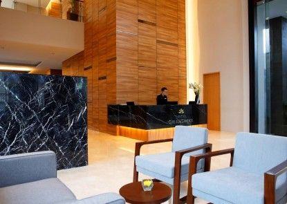 Hotel Grandhika Setiabudi Medan Lobby