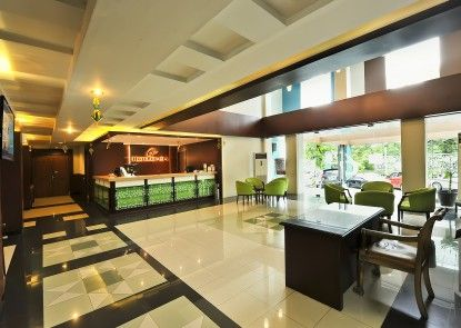 Hotel Grasia Lobby